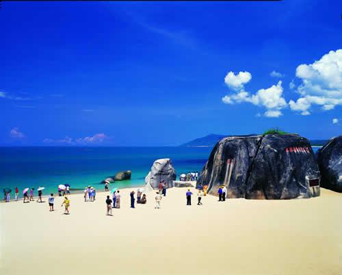 """休闲旅游餐饮 >>三亚市天涯海角旅游发展有限公司          """"平安石"""""""